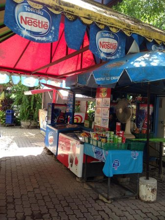 Phuket Zoo: One of the Canteens
