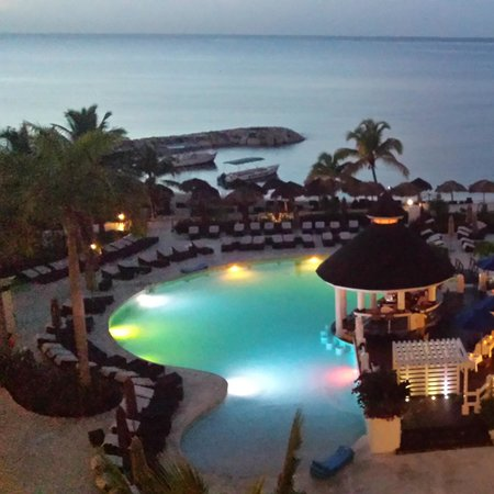 Secrets St. James Montego Bay: An early morning shot of the pool