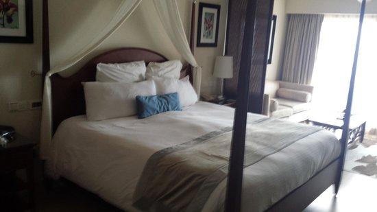 Secrets St. James Montego Bay: Our comfortable bed