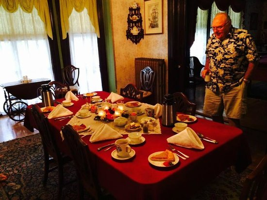 The Dominion House: Breakfast in the Dining Room