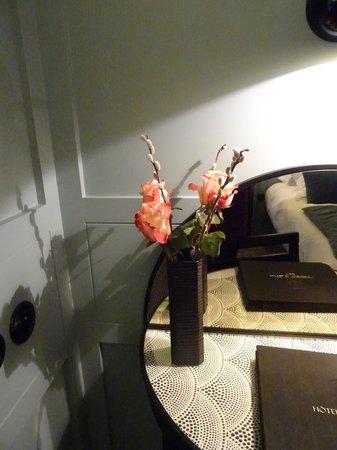 Hotel d'Aubusson: Fresh flowers