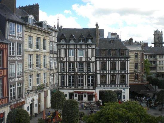 """Hotel de Bourgtheroulde, Autograph Collection : Vue de """"notre"""" chambre"""