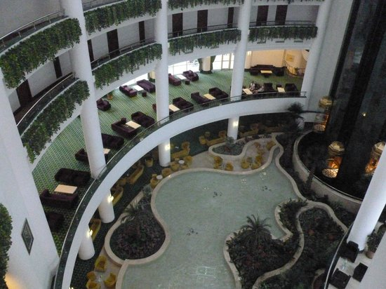 Barut Kemer : Again from 4th floor looking down to water feature lobby area