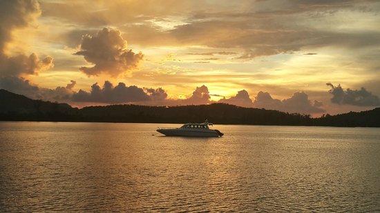 Île privée de Song Saa : Sunset at Song Saa