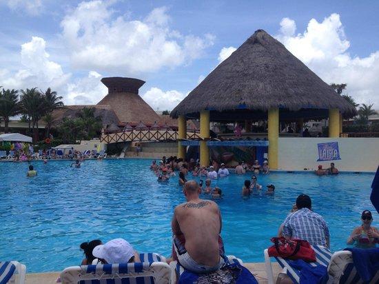 Foto de grand bahia principe tulum akumal piscina tulum for Piscina bahia