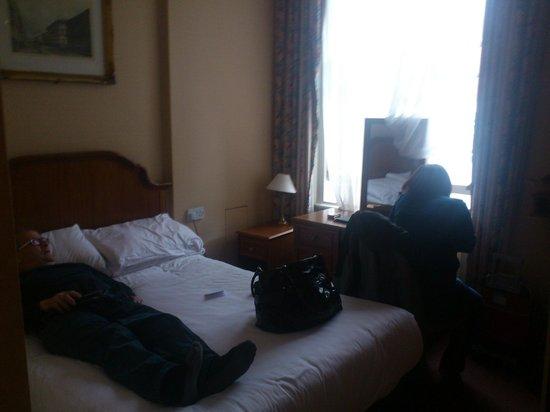 Kensington Gardens Hotel: Habitación doble acogedora