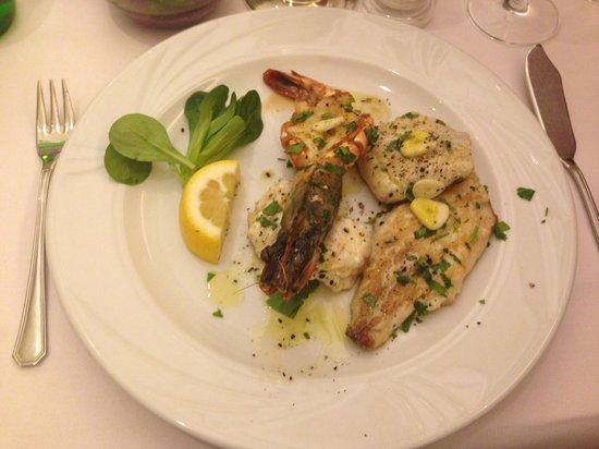 Fellini: Kleiner gemischter Fischteller mit Gambas