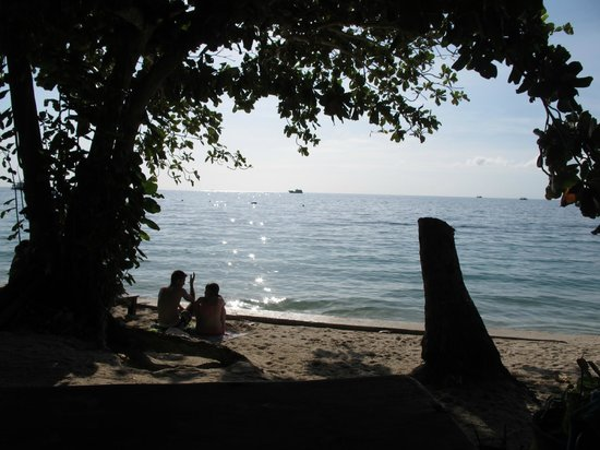 Koh Tao Regal Resort: на пляже полдень