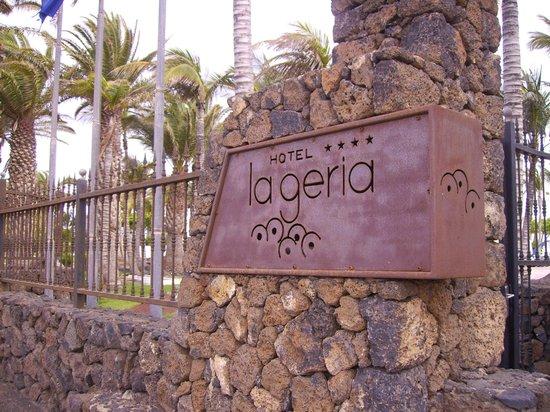 Hipotels La Geria: ingresso hotel su avenida las playas