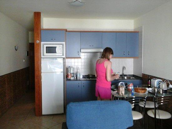 Apartamentos Isla de Lobos: kitchen area