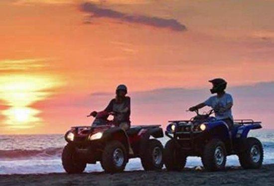 Raintree Beach & Golf Resort: Beach Activity : Beach Bike
