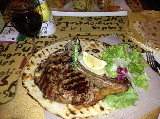 Hotel Trieste : Флорентийский стейк в ресторане при отеле