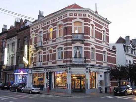 Photo of Modern European Restaurant Pastelaria Garcia at Avenue De La Couronne 75-77, Brussels 1050, Belgium