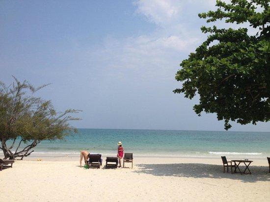 Paradee Resort: the beach