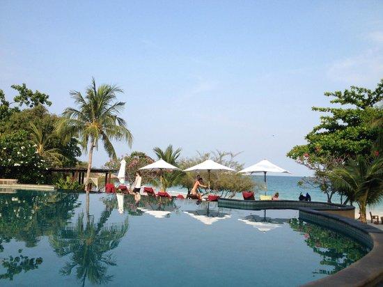 Paradee Resort: the pool