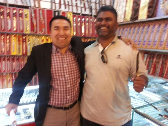 Southern Mosque : Very friendly ethnic muslim Uygur shop keepers