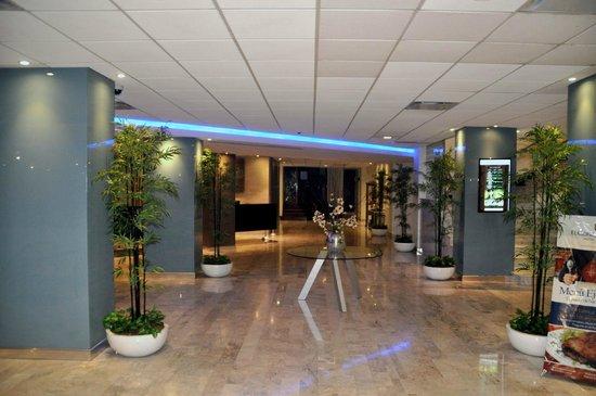 Hotel El Conquistador: Main hall