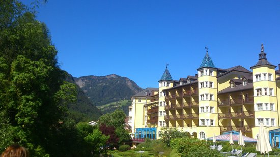 Hotel Adler Dolomiti Spa & Sport Resort : from the garden