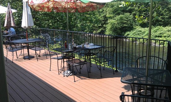 3C's FamilyRestaurant: Outdoor Deck