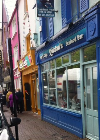 Quinlans Seafood Bar: Frontage