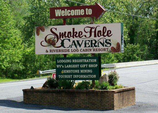 Smoke Hole Caverns & Log Cabin Resort: Smoke Hole Caverns and Resort