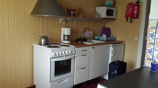 Koivulan Kartano: Kitchen is equipped well and clean