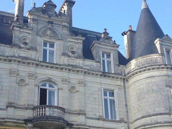 Domaine de la Tortiniere : Façade coté terrasse