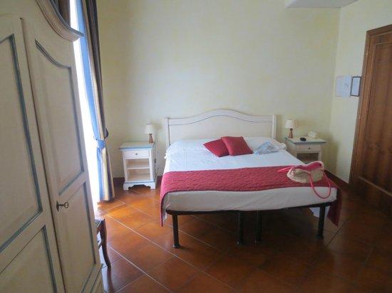 Hotel Bologna: Room