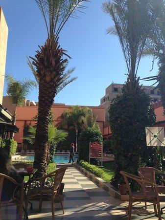 Diwane Hotel: espace piscine