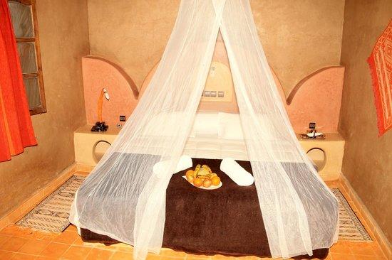 Riad Ouzine: Room