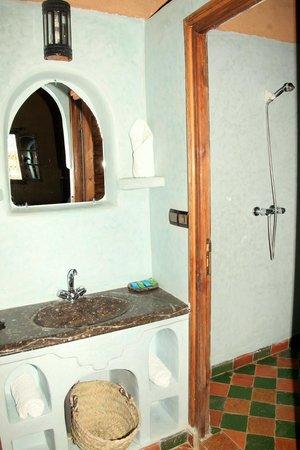 Riad Ouzine: salle de bain privée