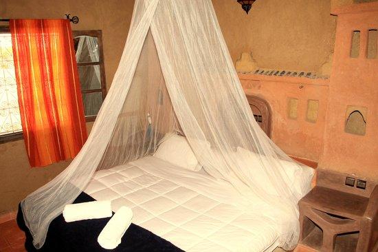 Riad Ouzine: confortable room