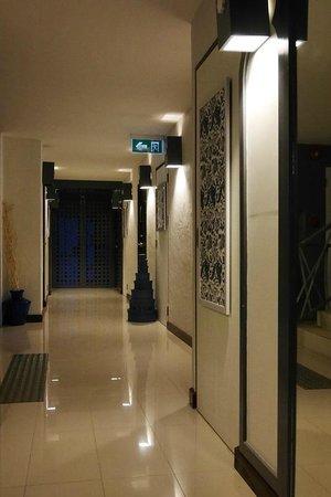 นิมมาน ไหม ดีไซน์ โฮเต็ล: Walkway from elevator to room