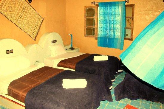 Riad Ouzine: deux lits jumeaux