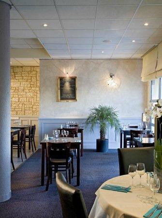"""Salle de restaurant """"Le PARVIS"""""""
