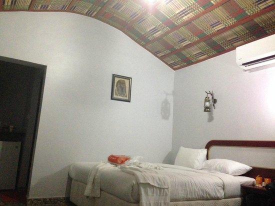 The Turtle Beach Resort (Ras al Hadd) : Room decor