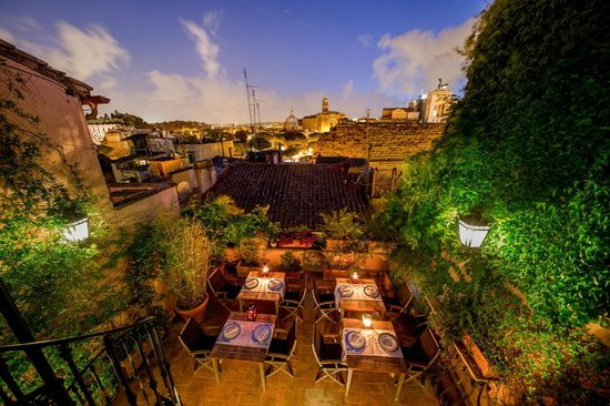 The inn at the roman forum small luxury hotel rome for Small luxury inns