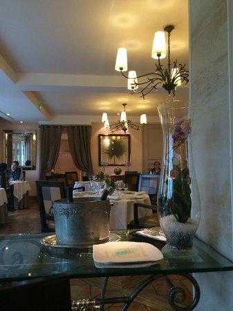 La Côte Saint Jacques : salle à manger