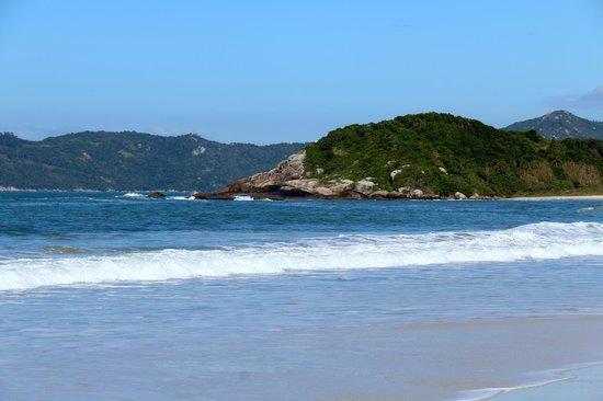 Praia De Quatro Ilhas: Uma das ilhas.