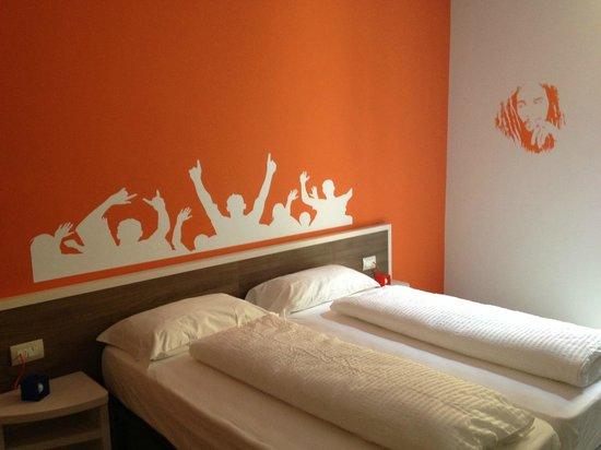 Hotel Nologo: REGGAE