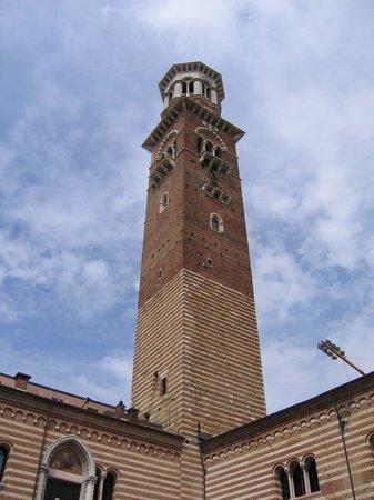 Angolatura della Torre dei Lamberti