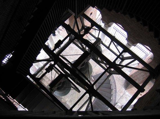 Torre dei Lamberti: Alcune delle campane