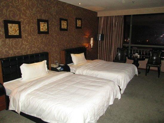 Baroque concept hotel motel reviews price comparison for Baroque hotel