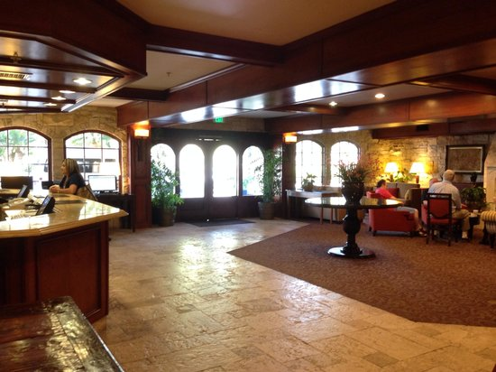 Ayres Suites Ontario Mills Mall : ロビー