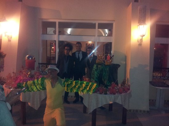 Omar Khayam Club : cocktail party