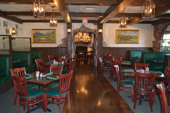 Paddy Macu0027s: Dinning Room