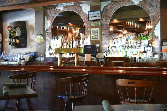 Great Paddy Macu0027s: Bar