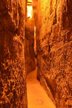 The Western Wall Tunnels : Western wall tunnel