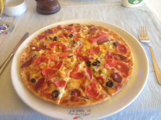 Blanca Restaurant: Blanca Mixed Pizza