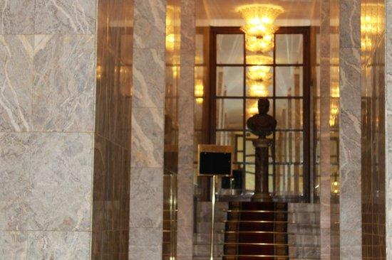 Bettoja Hotel Mediterraneo: corridoio